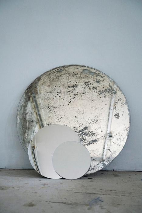 Yann Pocreau, Les astres / Celestial Bodies, 20182020, impression numérique / digital print, 221 × 140 cm